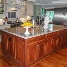 large-traditional-kitchen-3-2